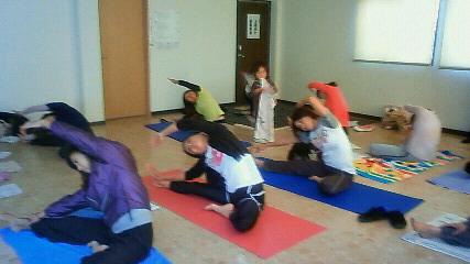 茅ケ崎市香川小学校PTA<br />  のお母様方へのヨガの出前講座